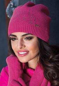 Молодёжная шапка малинового цвета Kamea Kaja