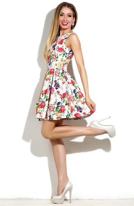 Платье короткое с цветами