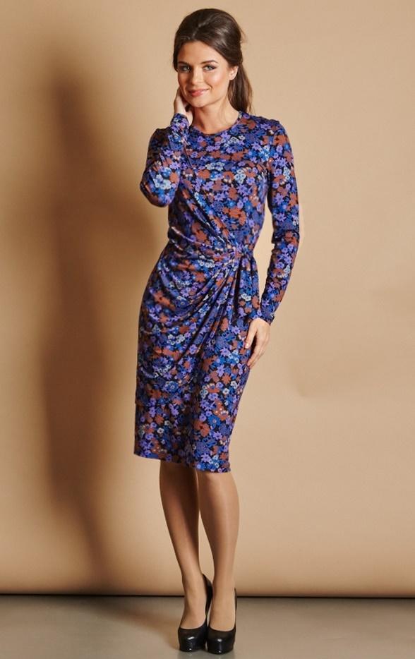 Фото трикотажных платьев в цветы