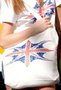 Белая сумка с принтом Britanika
