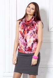 Яркая женская блузка