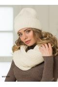 Недорогая женская шапка молочного цвета Landre Вена