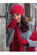 Красная шапка из трикотажа Kamea Georgia