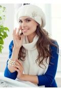 Комплект (шапка+шарф) молочного цвета Landre Серафима