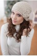 Женская шапка бежевого цвета Landre Сонэт