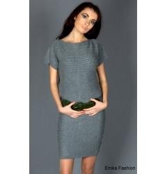 Короткое трикотажное платье темно-серого цвета