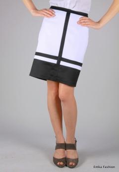 Прямая юбка черно-белой расцветки