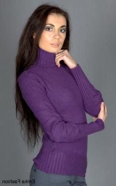Женский свитер фиолетового цвета