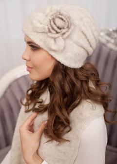 Комплект (шапка и шарф) молочного цвета Landre Моника