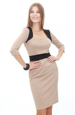 Бежевое платье-футляр