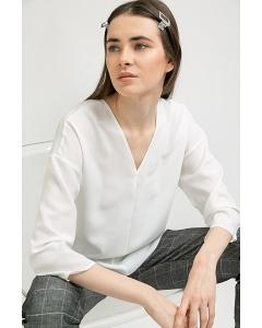 Приталенная блузка с V-образным вырезом Emka B2408/beatrisa