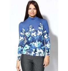 Голубая женская блузка