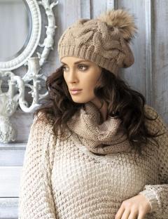 Трикотажная шапка с помпоном Kamea Zita