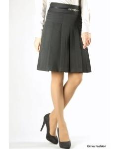 Чёрная юбка в складку