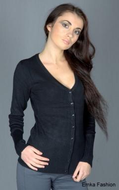 Женская кофта черного цвета