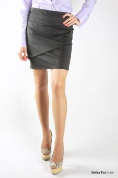 Чёрная мини-юбка