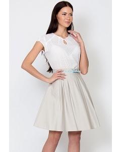 Состав ткани: 60% вискоза, 37% п/э, 3%спандекс Длина юбки: 56 см. Цвет: молочный Без подклада.