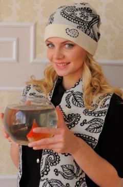Комплект (шапка+шарф) Landre Вероника (молоко с черным)