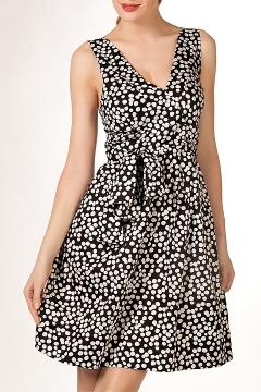 Летнее черно-белое платье