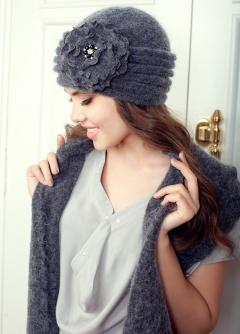 Комплект (шапка и шарф) голубого цвета Landre Дина
